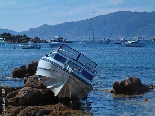 Foto auf Leinwand Schiffbruch le calme après la tempête