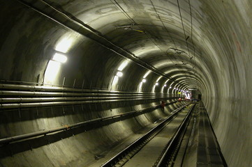 lrt tunel
