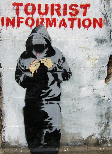 Valokuva  threatening graffiti in east london