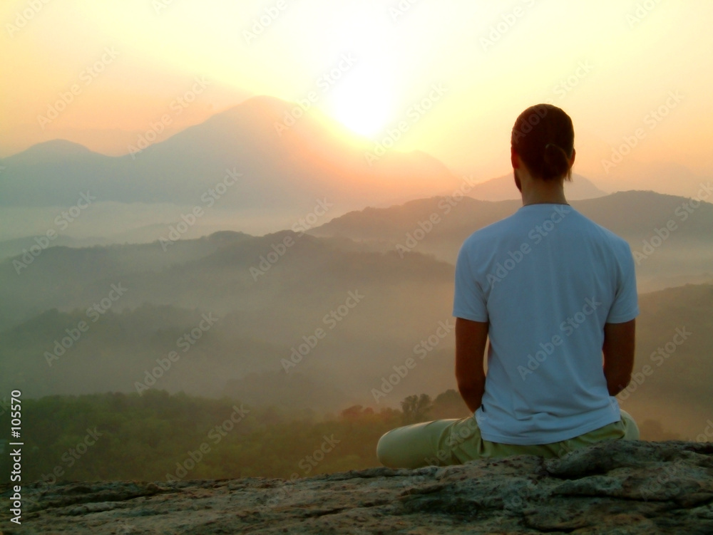 Fototapeta man sunrise meditatiion
