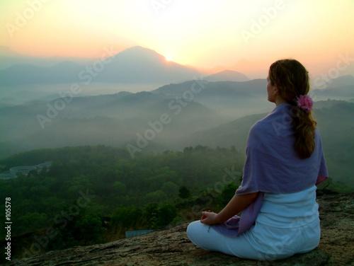 Fotografie, Obraz  sun rising meditation