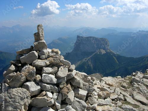 Cuadros en Lienzo cairn et mont aiguille