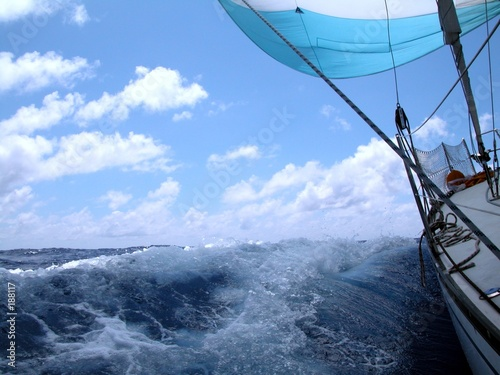 Cadres-photo bureau Voile sailing with wind