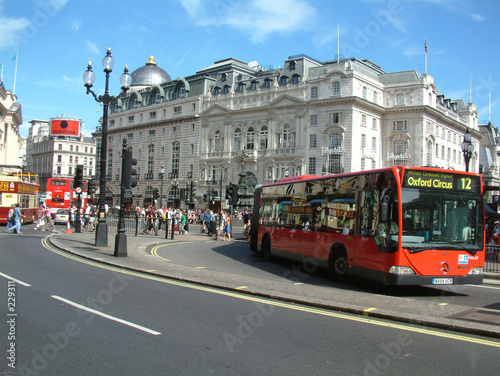 Poster Londres bus rouge picadilly circus
