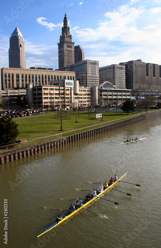 rowers on the cuyahoga river Canvas-taulu