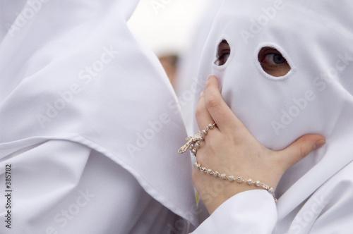 Valokuvatapetti Nazareno con rosario en la Semana Santa de Sevilla