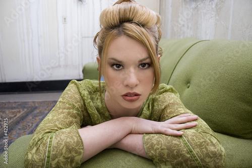 Fotografija  beautiful hispanic woman in grungy apartment