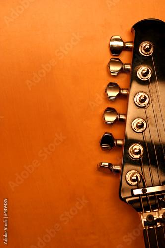 czarna-gitara-elektryczna-seria-detal
