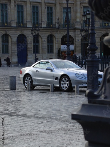 Photo mercedes benz slr on place vendôme