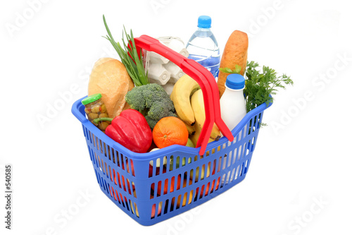 Fotografija  groceries in shopping basket