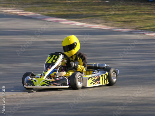 Türaufkleber Schnelle Autos yellow and black go kart