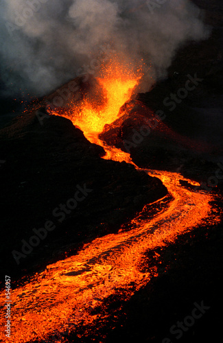 Staande foto Vulkaan éruption volcanique