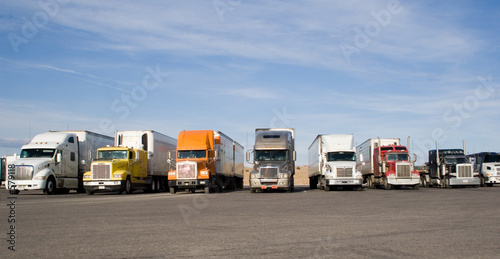 Photo  rigs in a row