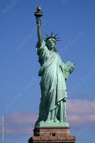 Fotografia  statue of liberty on stand