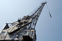 32 Crane