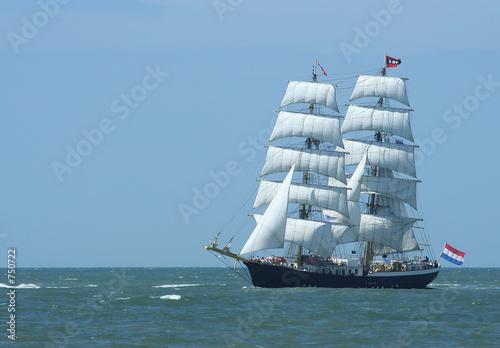 sailboat © Kurt De Bruyn