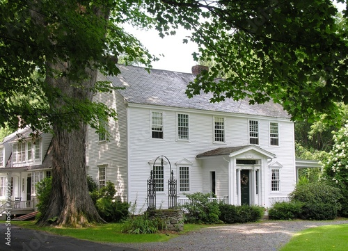 Photo new england colonial