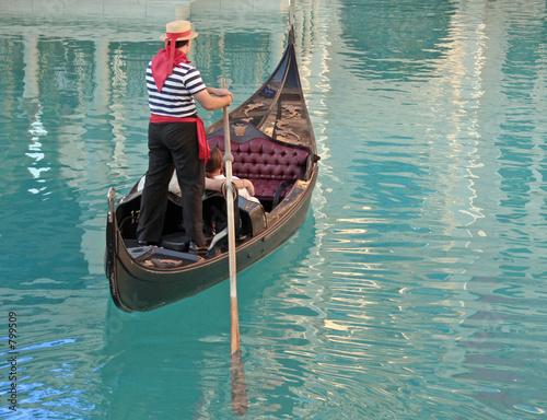 Spoed Foto op Canvas Gondolas gondolier