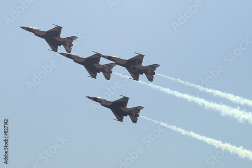 Fotografija  thunderbirds f-16 fighting falcon jets