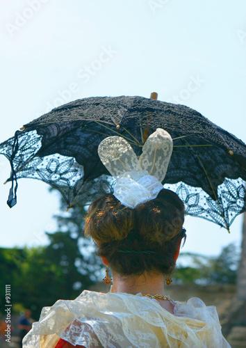 Photo coiffe sous ombrelle