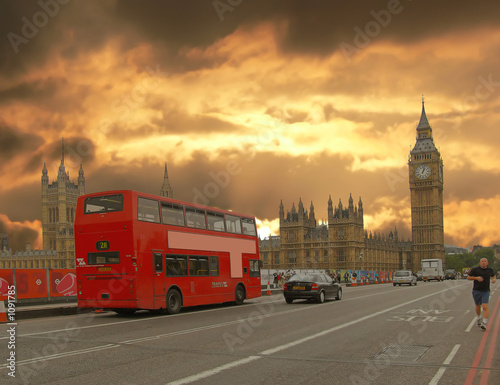 Fotografie, Tablou  houses of parliament and double-decker bus