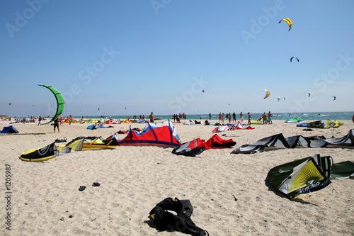 matériel de surf sur la plage de tarifa