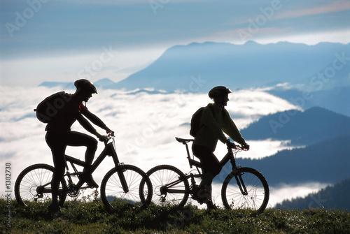 Photo two mountainbikers