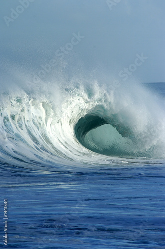 Photo  breaking wave