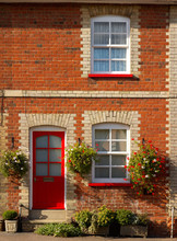 Pretty Terraced Cottage