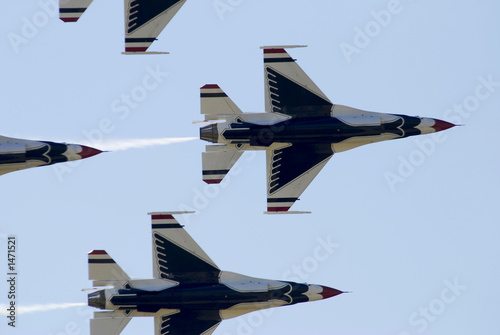 Photo thunderbirds above