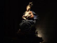 Virgen Con Nino