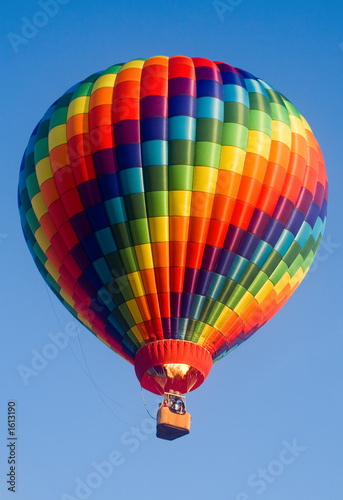 Tuinposter Ballon rainbow in the sky