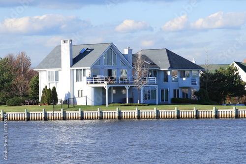 Obraz waterfront property - fototapety do salonu