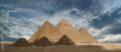 Valokuvatapetti pyramids of gizeh