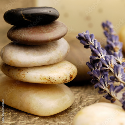 Akustikstoff - stone cairn