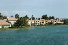 Single Family Houses By Water