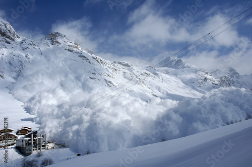avalanche à val d'isère Wallpaper Mural