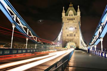 Fototapeta na wymiar the tower bridge