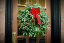 Antiqued Christmas Wreath Hang...