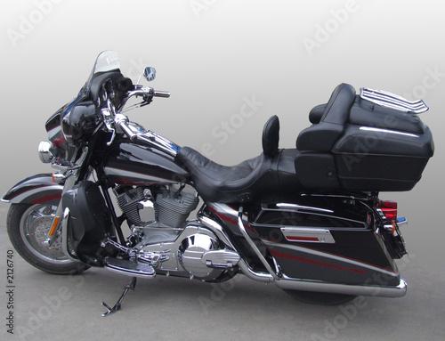 wielki-potezny-nowy-czarny-motocykl