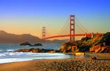 Golden Gate w San Francisco z perspektywy plaży
