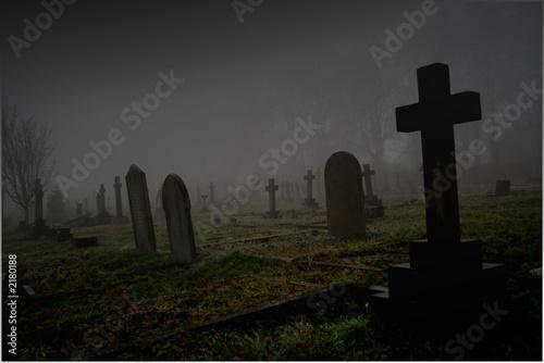 foggy graveyard Fototapet