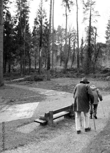 Fototapety, obrazy: old couple walking
