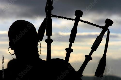 Cuadros en Lienzo Bagpiper in Silhouette
