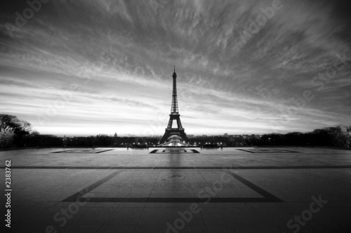 eiffel at dawn - black & white