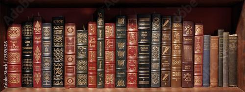 Valokuva classics shelf