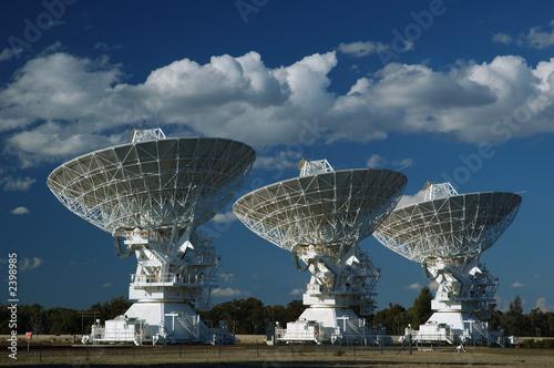 einzelne bedruckte Lamellen - radio antenna dishes (von ILYA GENKIN)