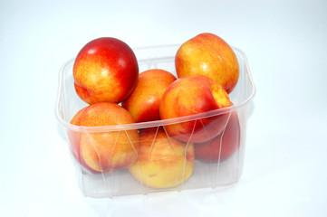 nektarinen in verpackung
