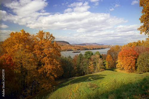 Fotografie, Obraz  hudon river in the fall