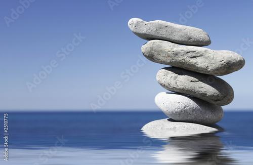 Plissee mit Motiv - piedras zen (von Alex Bramwell)